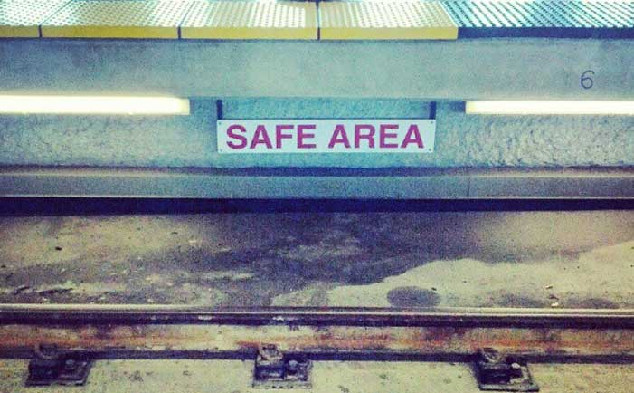 Safe area below the platform in the BART station